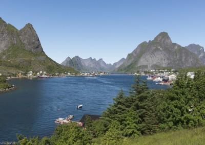 reine-lofoten-norwegen