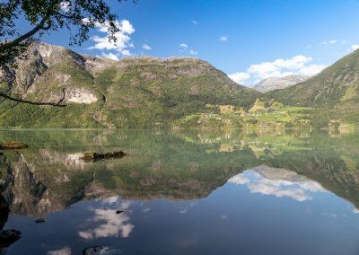 BW-Norwegen-spiegelder See P1050405